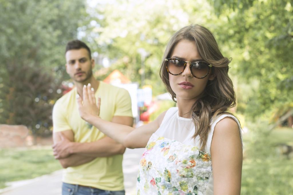 Die 6 Sternzeichen, die sich in Beziehungen immer mit weniger zufrieden geben