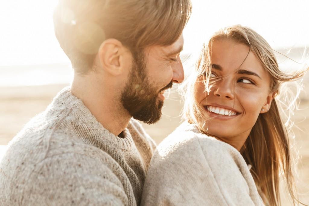 Liebeshoroskop für Mittwoch 2020-07-01 - Heute sind Sie eher nach innen gekehrt. Sie überlegen sich, wie die verschiedenen Menschen, die Ihnen wichtig sind, in Ihr Leben passen.
