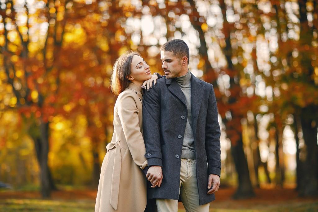 Tageshoroskop für Morgen 2020-04-12 - Da liegt so eine Spannung in der Luft, ist das vielleicht der Vorbote einer neuen großen Liebe?