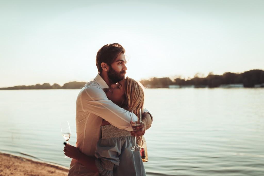 Liebeshoroskop für Mittwoch 2020-06-03 - Möglicherweise sind Ihr Idealismus, Ihre Vorstellungskraft, Ihre Intuition und Ihre Spiritualität heute besonders stark ausgeprägt.