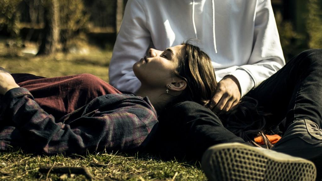 Liebeshoroskop für Sonntag 2020-03-15 - Genießen Sie einen anregenden Tag, an dem Ihr Herz auf seine Kosten kommt.