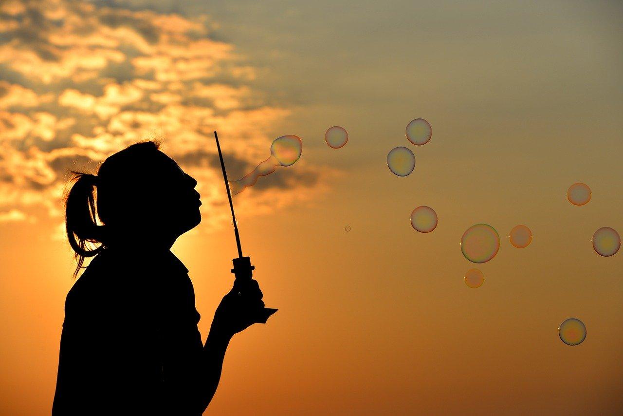 Tageshoroskop für Morgen 2020-07-09 - Du findest beim Shoppen die besten Angebote...