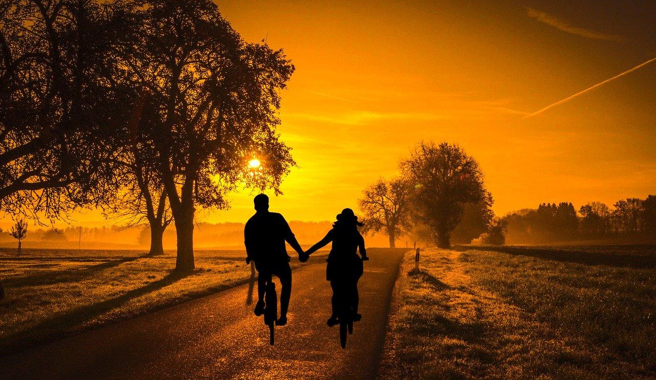 Liebeshoroskop für Dienstag 2020-07-07 - Der heutige Tag ist von romantischen Gedanken geprägt...