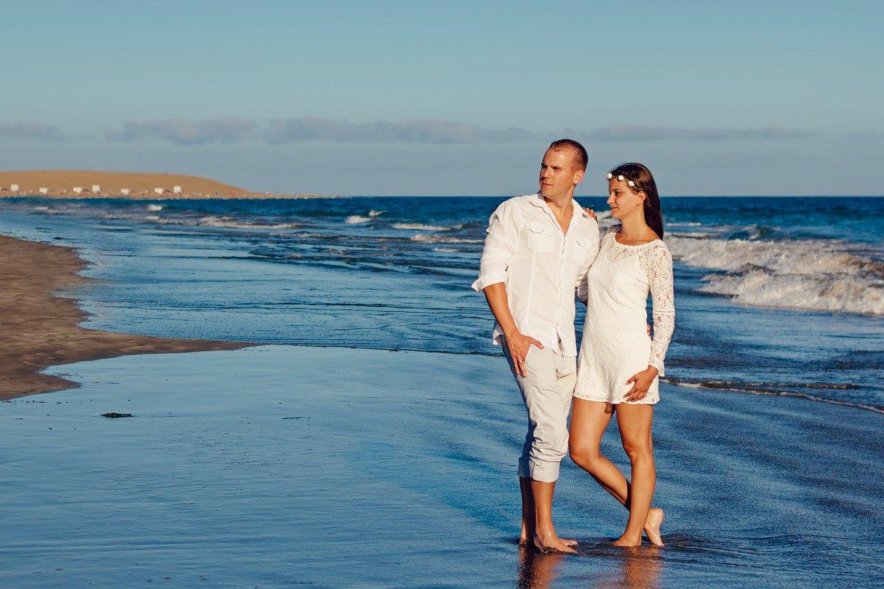 Liebeshoroskop für Samstag 2020-07-25 - Heute sind Liebe und Romanze in der Luft...
