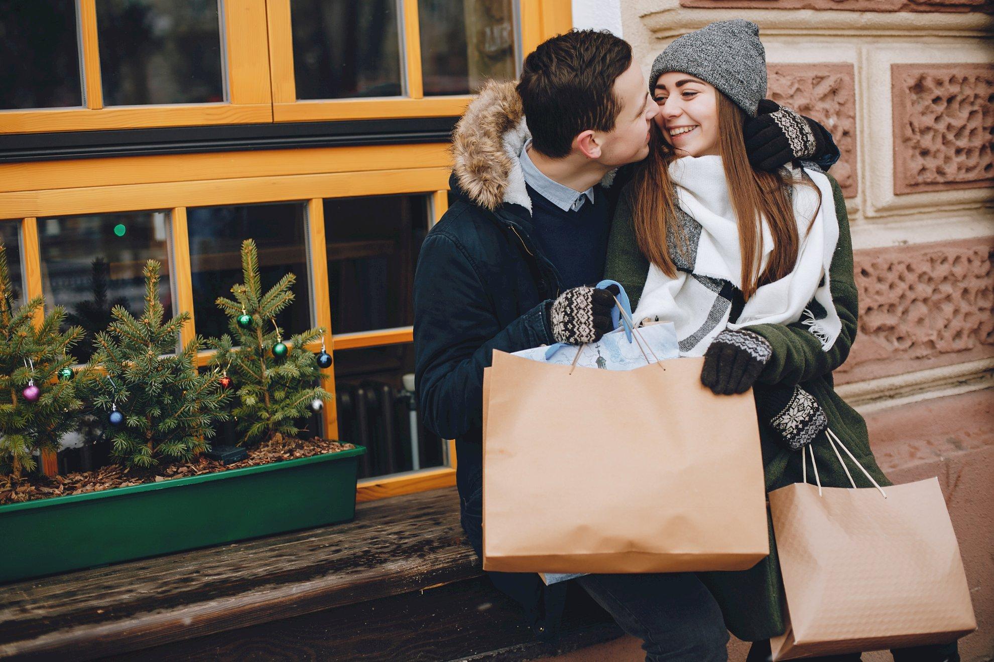 Liebeshoroskop für Freitag 2021-04-16 - Tun Sie sich heute mit Ihrem Partner zusammen, und lassen Sie sich von ihm durch einen romantischen Tagtraum führen...