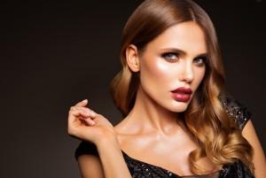 Flirt-Queen: Diese Sternzeichen wickeln jeden Mann um den Finger