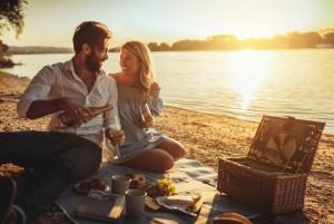 Laut Horokosp: Diese 3 Sternzeichen erleben diesen Sommer einen heißen Flirt