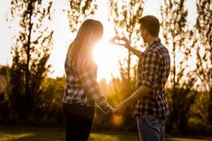 Liebeshoroskop für Montag 2020-01-27 (NEU) - Ihr Herz sehnt sich nach einer romantischen Begegnung heute Abend...